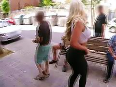 Bubble booty busty blonde chick for outdoors sex