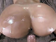 Bubble assed latina Jynx Maze butt licked and pussy pounded